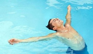 как научиться плавать самостоятельно, взрослому